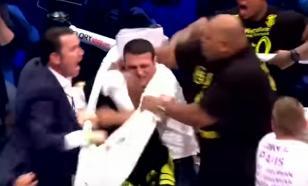 Зрители расправились с боксером, нокаутировавшим соперника со спины
