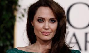 Медики подозревают у Анджелины Джоли паралич Белла