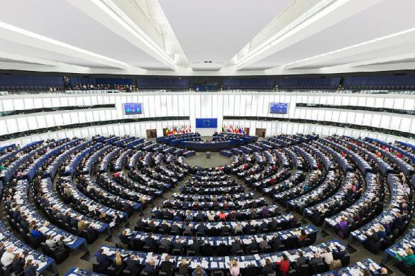 """Европарламент требует осудить """"советский режим"""" и блокировать """"Северный поток – 2"""""""