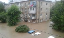 """Дождевой апокалипсис в Приморье — Уссурийск ушел под воду, размыт """"Транссиб"""""""