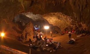 Все на свободе: опубликовано видео спасения детей из пещеры в Таиланде