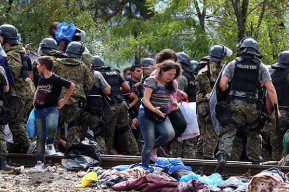 Премьер-министр Польши: заниматься мигрантами надо там, где они живут