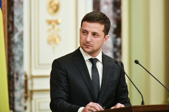 """Зеленский и радикалы-""""патриоты"""": кто кого?"""