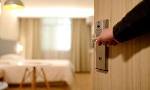 Более трети россиян нарушают правила отелей - соцопрос