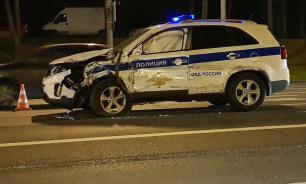 На Кутузовском проспекте в Москве столкнулись машины ФСО и МВД