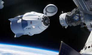 Астронавты обнаружили болтающийся кабель на внешней стороне корабля Dragon
