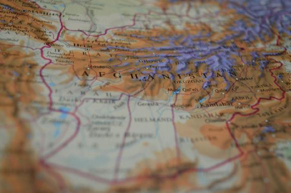 Талибы* едут в Москву. Тогда кто бомбит Кабул?