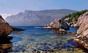Бухта в районе села Веселое в Крыму названа бухтой Маленького капитана
