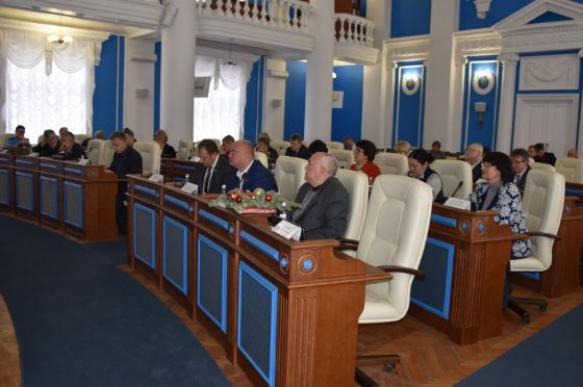 Депутаты в Севастополе отказались от зарплаты ради независимости ЗС