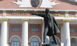 Киевское суворовское училище лишится памятника Суворову