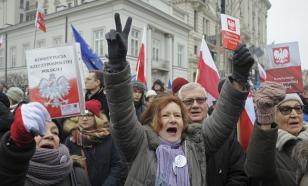 """Кто организует """"цветную революцию"""" в Польше?"""