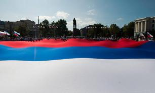 Социологи: Большинство россиян горды Россией и не боятся изоляции