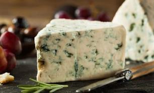 Врач: сыр с плесенью опасен для здоровья
