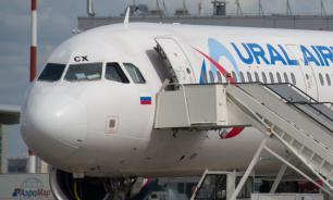 """Очередной самолет """"Уральских авиалиний"""" столкнулся в небе со стаей птиц"""