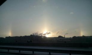 Жители Петербурга заметили на небе три солнца