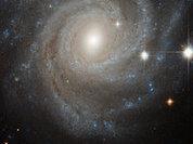 Недалеко от Солнечной системы проснулась гигантская черная дыра