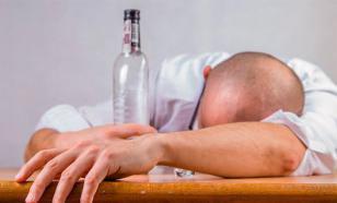 Провинциальные таксисты заставили коллекторов пить водку до полусмерти