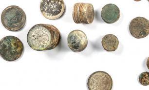 В центре Москвы нашли клад из медных и серебряных монет