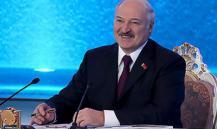 Лукашенко сравнил отказ от русского языка с потерей разума