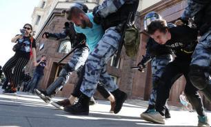 В СК объяснили участие подростков в протестах желанием получить лайки