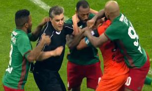 """За мать ответил: футболисты рассказали о причинах """"бойни"""" на поле"""