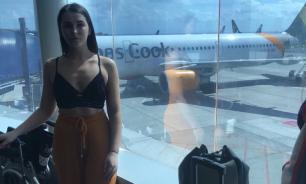 Британка пожаловалась на сотрудников авиакомпании, которые унижали ее за вызывающий наряд