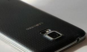 Samsung сворачивается втрубочку или квадрат