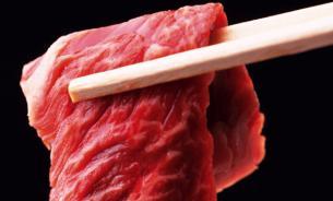 Ученые: Треть вегетарианцев начинает есть мясо после выпивки