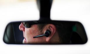 Британия резко ужесточила наказание за разговоры по телефону за рулем
