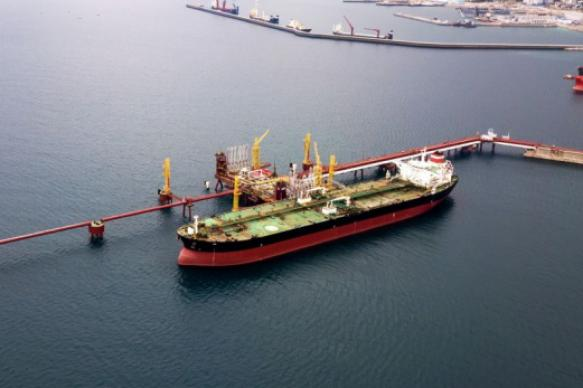 Bloomberg сказал оботказе Китая отнефти изВенесуэлы из-за санкций США