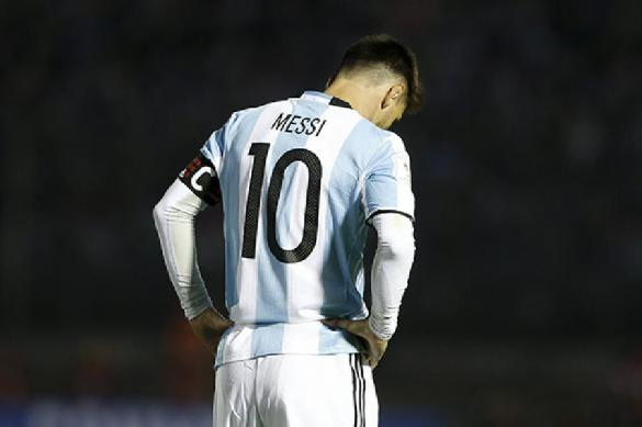 «Барселона» хочет продлить договор сМесси до 2023-го года