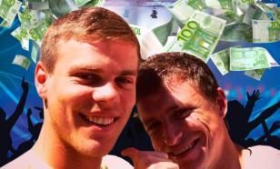 Футболисты Кокорин и Мамаев отметили свой провал вечеринкой в ночном клубе в Ницце