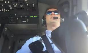 Пилот лоукостера снял ураганную посадку с кричащими пассажирами