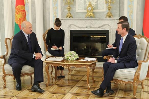"""Лукашенко: Белоруссия """"будет делать все"""" для развития отношений с США"""