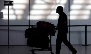"""Пассажирам аэропорта Лиссабона показали """"отвязное"""" порно"""