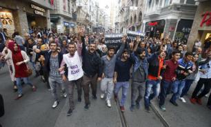 """Отмена итогов выборов мэра Стамбула спровоцировала """"кастрюльные протесты"""""""