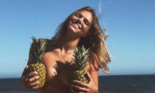 Пловчиха Ефимова снялась на пляже без купальника