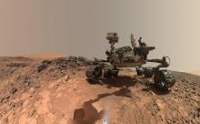 Ученых смутили странные фото, полученные с Марса