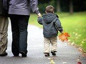 Закон позволяет отбирать детей за творожки