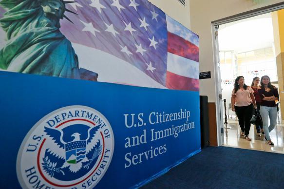 Иммиграционная служба США сможет депортировать мигрантов без суда