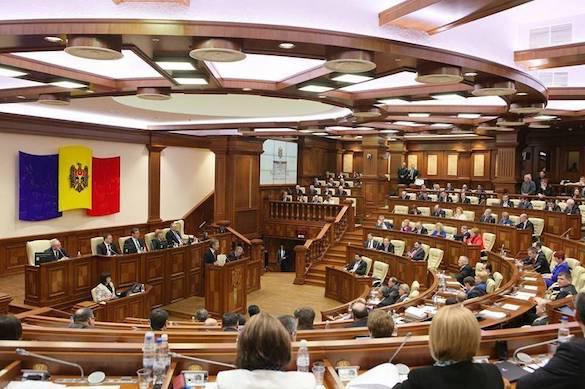 Парламент Молдавии потребовал вывода из Приднестровья российских миротворцев