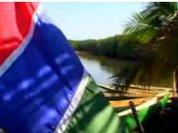 За воду и Гамбию приобщат к демократии