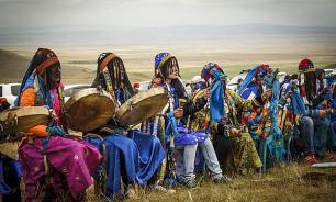 Шаманы проведут обряд на Байкале, чтобы призвать дожди на горящую тайгу