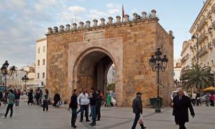 Террористка взорвалась в туристическом центре Туниса