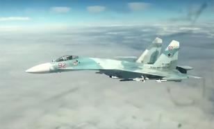 Опубликовано видео перехвата российским Су-27 бомбардировщиков США