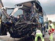 В Техасе столкнулись автобус и поезд, 19 пострадавших