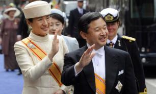В Японии император Нарухито официально вступил на престол