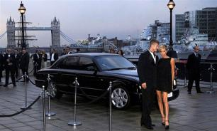 Звездные пары и их роскошные машины