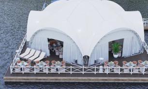 На торгах в Москве выставлены два плавучих кафе