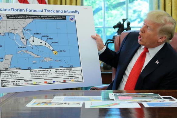 NYT: Трамп потребовал от синоптиков изменить прогноз погоды